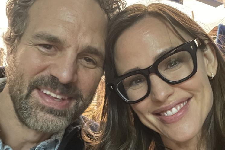 Jennifer Garner and Mark Ruffalo Have a '13 Going on 30' Reunion