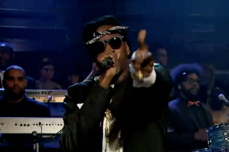 "2 Chainz ""Feds Watching"" (live on 'Fallon')"