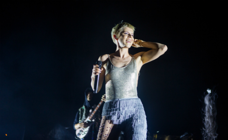 "​Robyn Covers Wham!'s ""Last Christmas"""