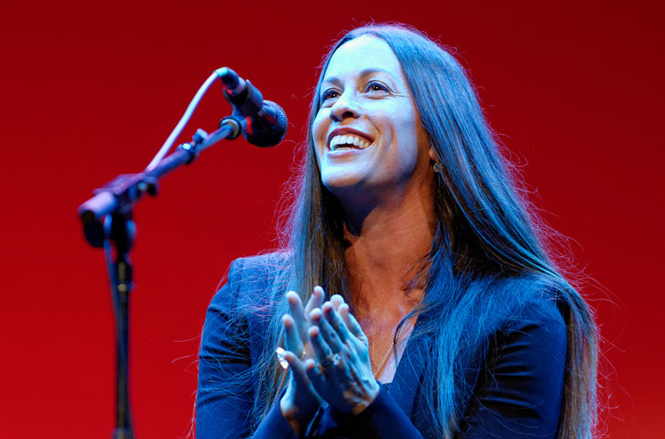 Alanis Morissette Plays Toronto on 'Jagged Little Pill' Anniversary Tour