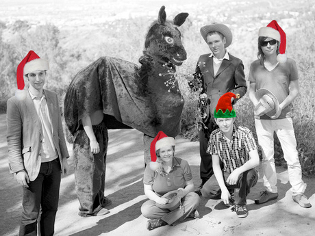 "Belle and Sebastian to Stream Their ""Holiday Spectacular"""