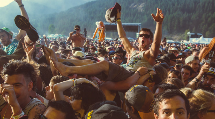 Smoking Cannabis at Canadian Music Festivals: A Province-by-Province Guide
