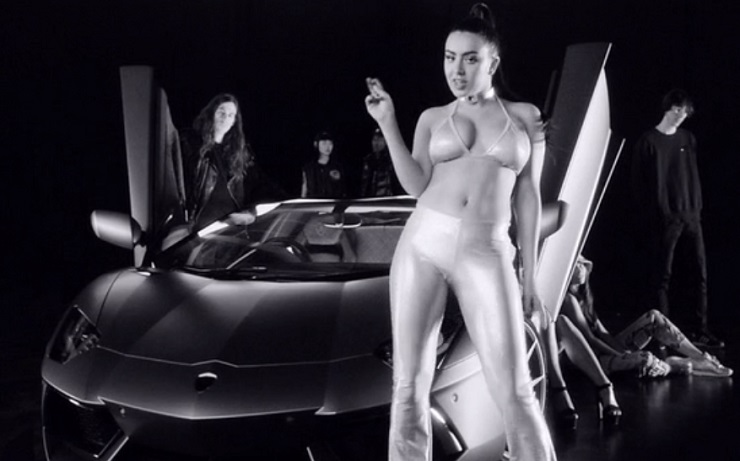 Charli XCX 'Vroom Vroom' (video)