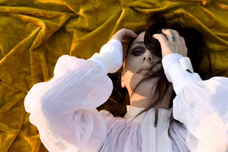 ​Chelsea Wolfe Uses Noise to Drown the Din of Daily Life on 'Hiss Spun'