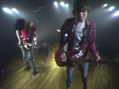 The Cribs 'Glitters Like Gold' (video)