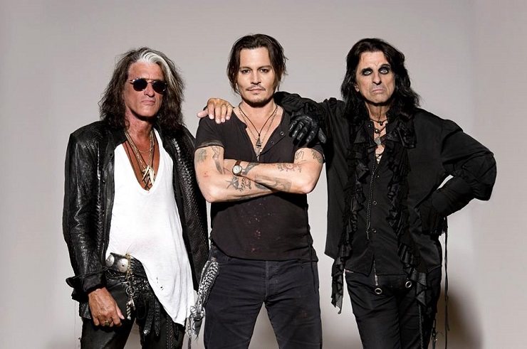 Joe Perry Collapses During Hollywood Vampires Concert