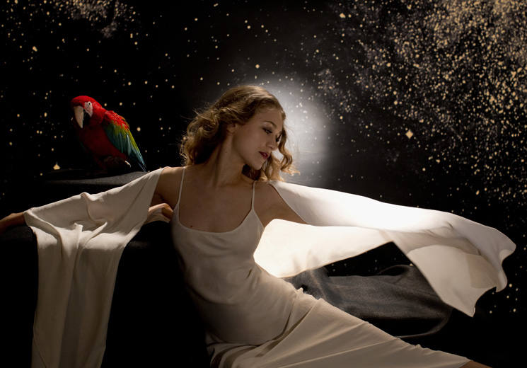 "Joanna Newsom Explains 'Divers' Transition from ""Art Project"" to Album"