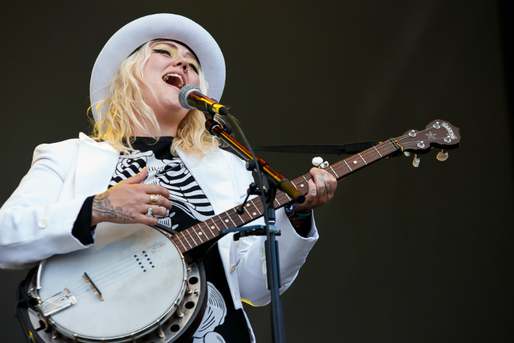 Elle King Stawamus Stage, Squamish BC, August 9