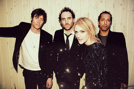"Metric ""Expecting to Fly"" (Buffalo Springfield cover) (video)"
