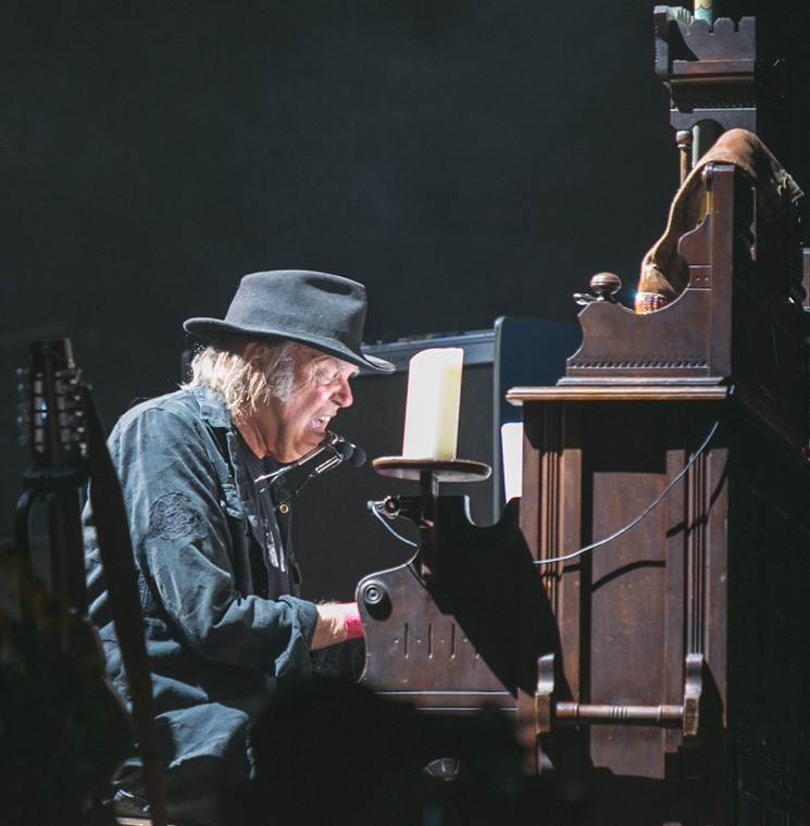 Neil Young + Promise of the Real WayHome Stage, Oro-Medonte ON, July 24
