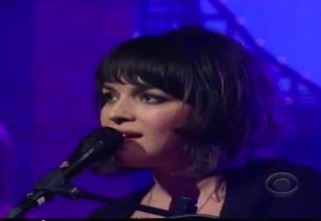 "Norah Jones ""Happy Pills"" / Full 'Live on Letterman' Performance (video)"