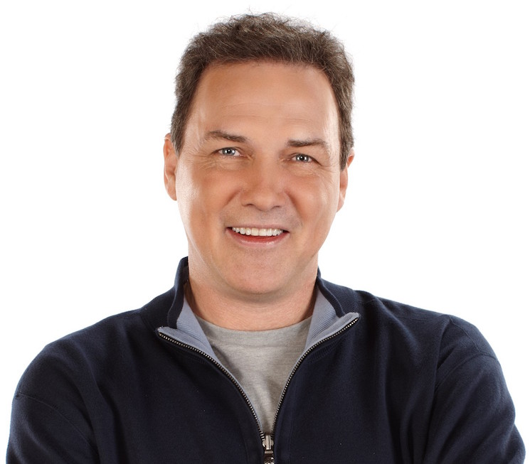 Norm MacDonald Is Writing a Memoir