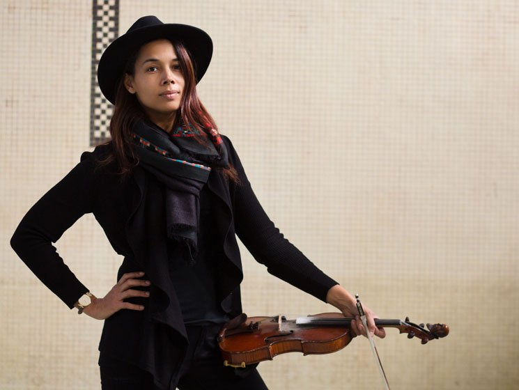 Five American History Lessons From Folk Singer Rhiannon Giddens