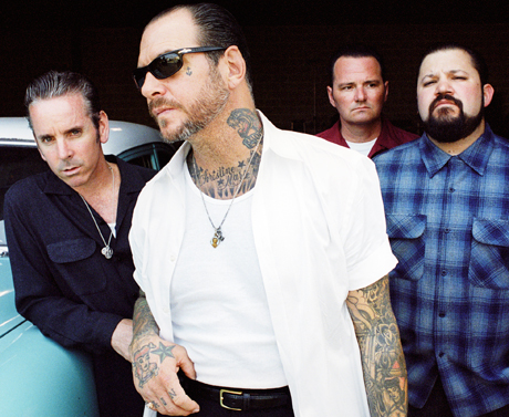 Social Distortion 'Machine Gun Blues' (live on <i>Conan</i>)