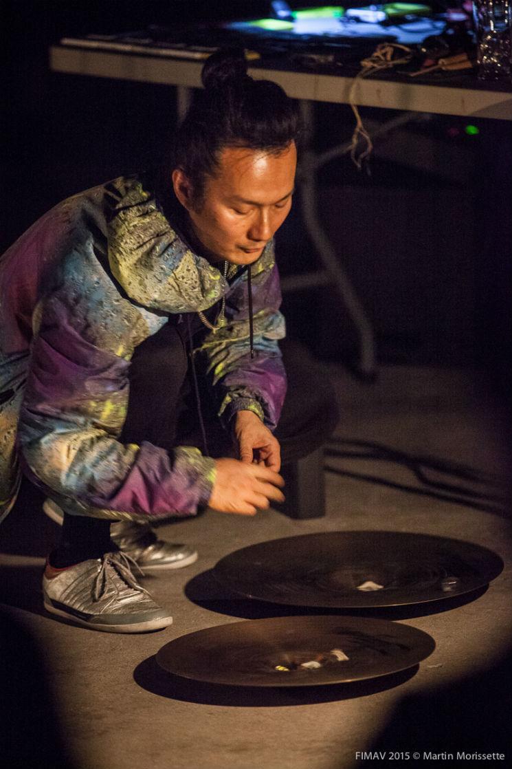 Akio Suzuki / Aki Onda Colisée Desjardins B, Victoriaville QC, May 17