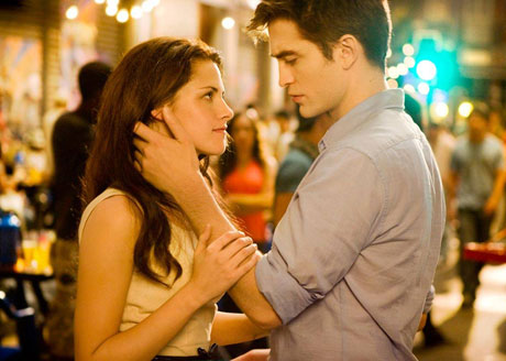 Warm Up with 'Breaking Dawn,' 'The Descendents' and 'Happy Feet 2' in Our Film Roundup