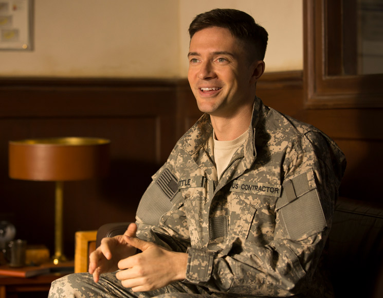 Topher Grace Talks Brad Pitt, David Michôd and Their New Netflix Movie 'War Machine'