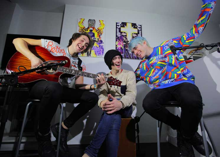 "Waterparks ""Stupid for You"" / ""Royal"" (Acoustic) on No Future"