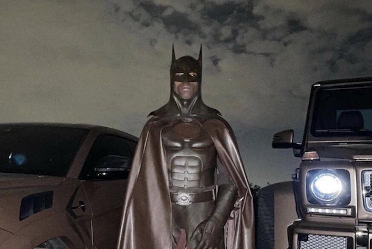 Travis Scott Deactivated His Instagram After People Clowned His Batman Costume