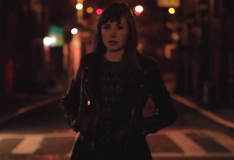 "Anna Calvi ""Strange Weather"" (ft. David Byrne) (video)"
