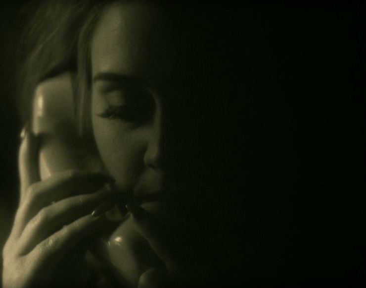 "Adele ""Hello"" (video)"