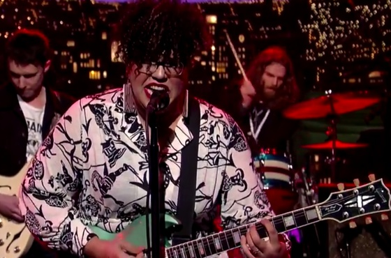 """Alabama Shakes """"Don't Wanna Fight"""" (live on 'Letterman')"""