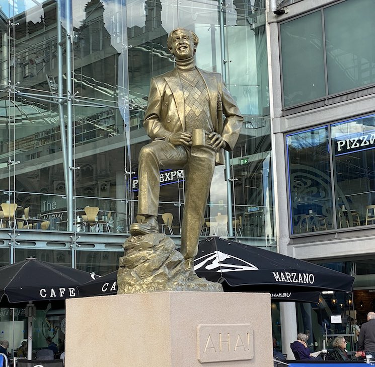 An Alan Partridge Statue Has Been Erected in the U.K.