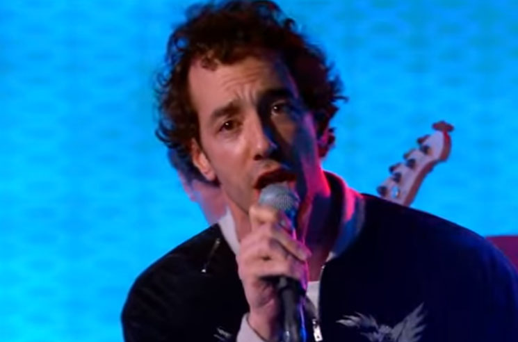 "Albert Hammond Jr. ""Razor's Edge"" (live on 'Kimmel')"