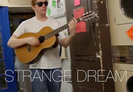 "Alex Calder ""Strange Dream"" (live 'La Blogette' session) (video)"