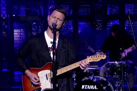 Alt-J 'Left Hand Free' (live on 'Letterman')