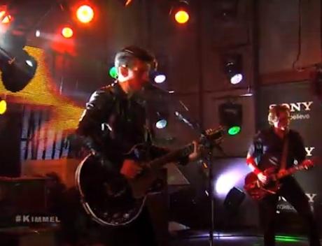 """Arctic Monkeys """"Do I Wanna Know?"""" / """"R U Mine?"""" (live on 'Kimmel')"""
