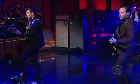 "Arctic Monkeys ""Do I Wanna Know?"" (live on 'Letterman')"