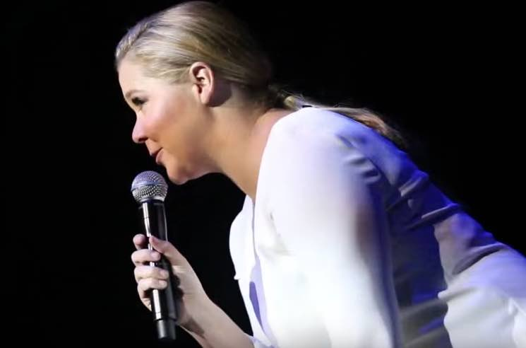 ​Watch Amy Schumer Kick a Douchebag Heckler Out of Her Live Show