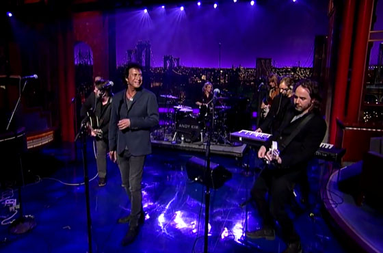 Andy Kim & Kevin Drew 'Sister OK' (live on 'Letterman')