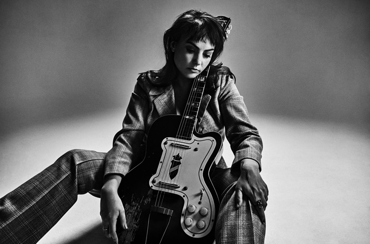 Angel Olsen Is 'Waving, Smiling' on New Song