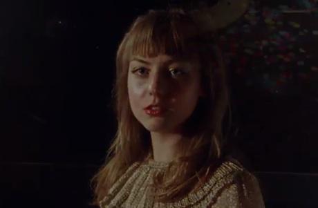 Angel Olsen 'Hi-Five' (video)