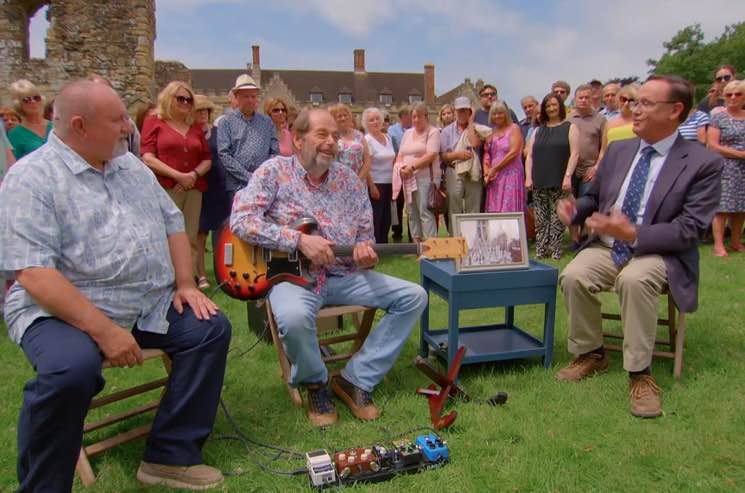 ​John Lennon and George Harrison's Old Guitar Valued at Almost $700,000 on 'Antiques Roadshow'