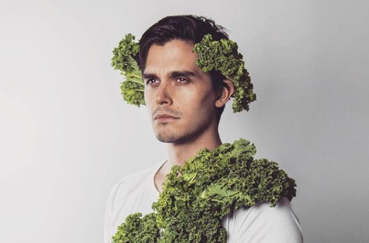 Twitter Is Obsessed with Canadian 'Queer Eye' Food Guy Antoni (But Nobody Thinks He Can Actually Cook)