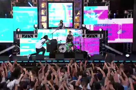 "Steve Aoki ""Rage the Night Away"" (ft. Waka Flocka Flame and Travis Barker) (live on 'Kimmel')"