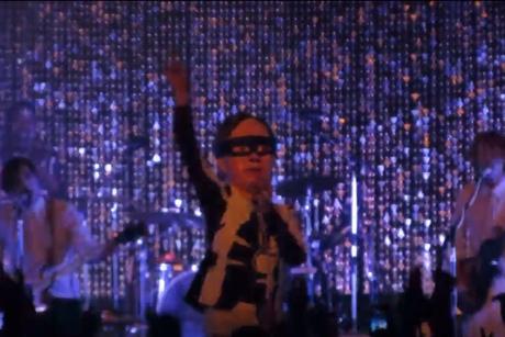 Arcade Fire 'Uncontrollable Urge' (Devo cover) (live video)