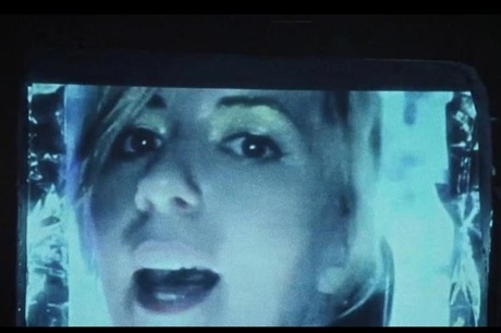 "Austra ""Painful Like"" (video)"