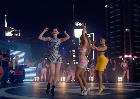 "Jessie J, Ariana Grande & Nicki Minaj ""Bang Bang"" (video)"