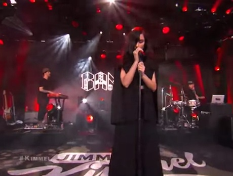 "Banks ""Beggin' for Thread"" / ""Waiting Game"" (live on 'Kimmel')"