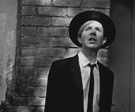 "Beck ""Heart Is a Drum"" (video)"