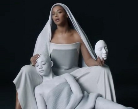 Beyoncé 'Mine' (ft. Drake) (video)