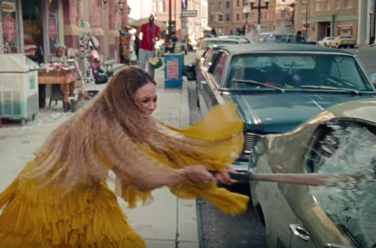 "Beyoncé Shares ""Hold Up"" Video on YouTube"
