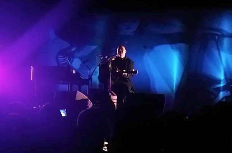 ​Watch Billy Corgan Cover 'Wrecking Ball' by Miley Cyrus in Toronto