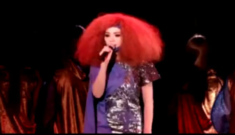 Björk 'Thunderbolt' (video)