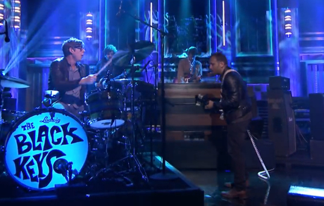 "The Black Keys ""Gotta Get Away"" / ""Girl Like You"" (live on 'Fallon')"