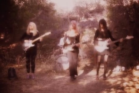 "Bleached ""Love Spells"" (video)"